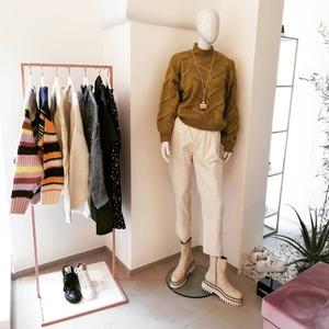 Continuano le anteprime #FW20 💕 Flash del nuovo brand - abbigliamento donna - @frnchparisofficiel!! Scopri i nuovi arrivi, vieni a trovarci a Castellana Grotte. #newarrivals #newcollection #abbigliamentodonna #autumn20 #conceptstore #castellanagrotte #puglia