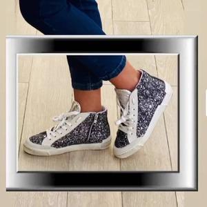 Lurex✨ Sneaker Meline Official! La nuova collezione è disponibile adesso in Store. #sneakers #lovesneakers #sneakersdonna #newcollection #fw20 #conceptstore #castellanagrotte #puglia