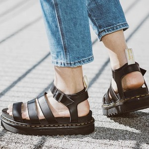 Vegan Blaire by @drmartensofficial ☀️ Clicca sul tag per le info! #sandals #drmartens #newcollection #spring20 #shoppingonline
