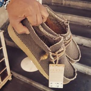 New entry 🔥 Scopri la leggerezza e la freschezza della nuova collezione uomo/donna di Hey Dude shoes, vieni a trovarci in Store a #CastellanaGrotte
