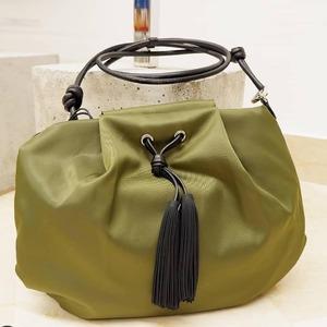 Scopri la leggerezza e la versatilità delle nuove borse Gum Design! 💚 Disponibili in Store e online. #newbags #newcollection #ss2021