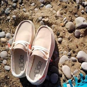 Vivi la tua estate con le nuove @heydudeshoes_it! 💞 Scopri la loro leggerezza in Store. #summer21 #weareinpuglia #newcollection