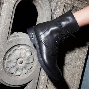 Libera il tuo animo rock con le @cultofficial1987 🖤🔥 Disponibili anche online! #boots #newcollection #anfibidonna #fw20 #newarrivals #loveblack