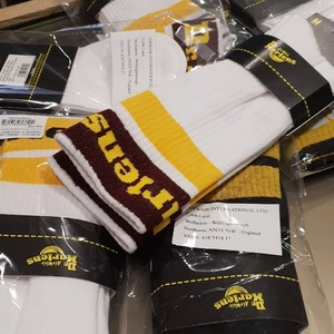 New collection @drmartensofficial 😍 Siete pronti? Sono già disponibili i calzini in spugna unisex🔥 #drmartens #drmartensocks #unisex #newcollection #newarrivals #autumn20