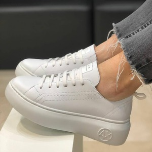 White sneakers Armani Woman 🤍 #newsneakers #newcollection #spring2021