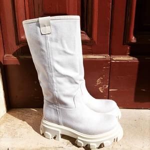 Boots in Canvas ❤️ Un must have della nuova collezione #spring21! Disponibili in Store a Castellana Grotte.