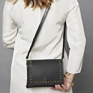 Scopri le nuove pochette @gum__design nella nostra sezione online! 💛 #newbags #pochette #spring2021