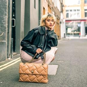 Think big! New bags XXL @kurtgeiger 🤩💞 #newarrivals #bagslover
