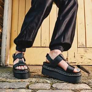 Sandal Francis @drmartensofficial 🖤 Disponibile in Store e Online!