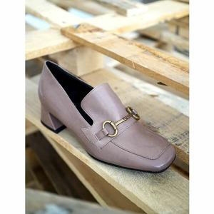 Reversible elegance 💞 Gli sconti continuano in Store e Online! #jeannotofficial #shoeswoman #sale